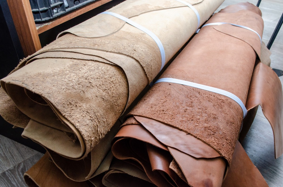 Кожа для низа обуви клеевого метода крепления в воротках,1 сорт дм